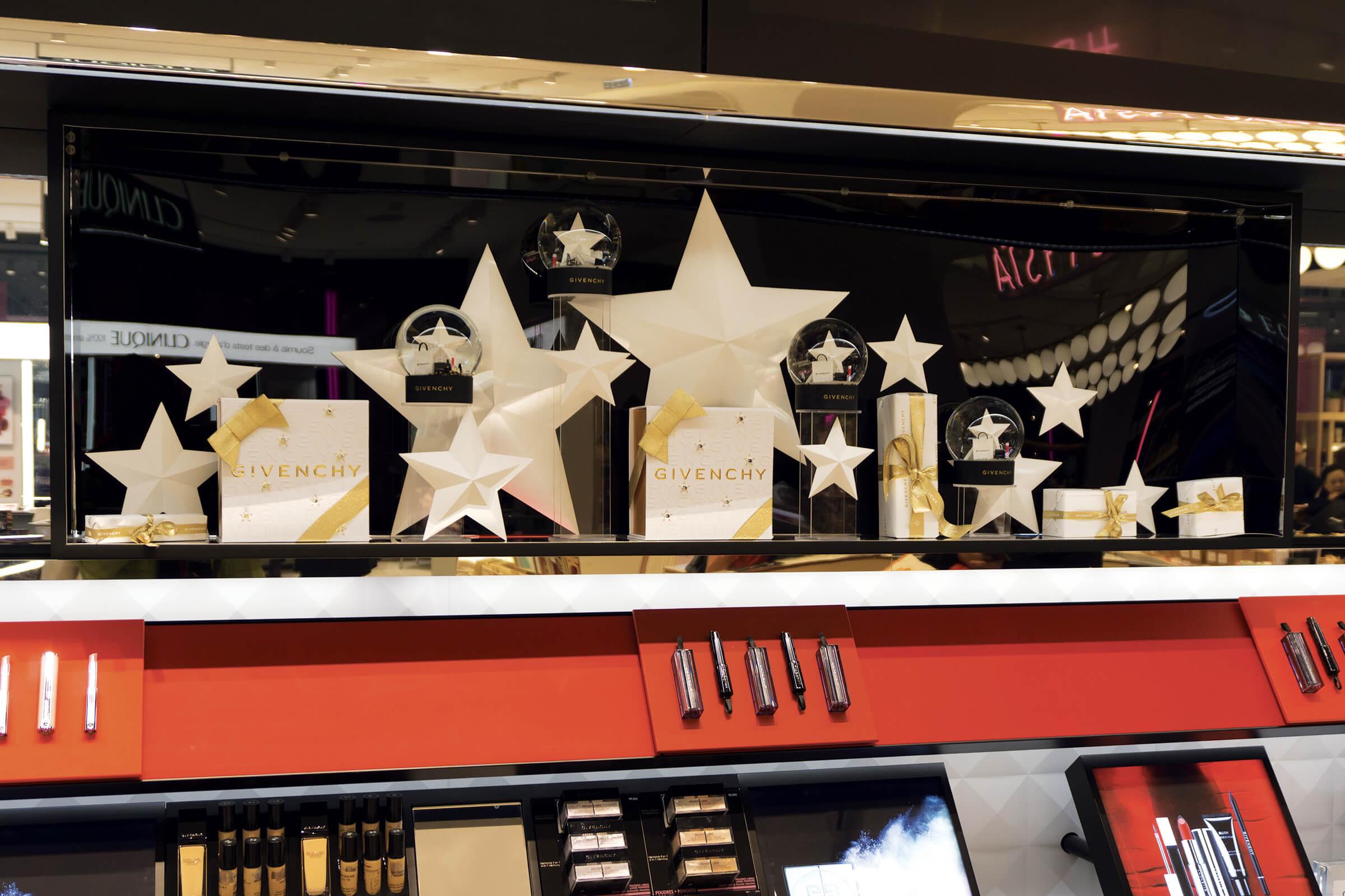 PLV cosmétique Givenchy. Décoration de Noël (plv vitrine) : Etude, conception, fabrication et installation