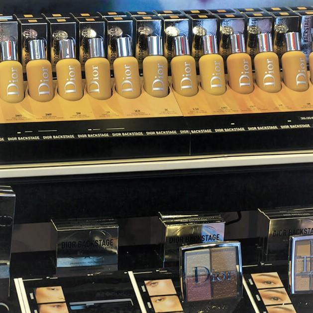 PLV de luxe cosmétique : Dior Backstage chez Sephora