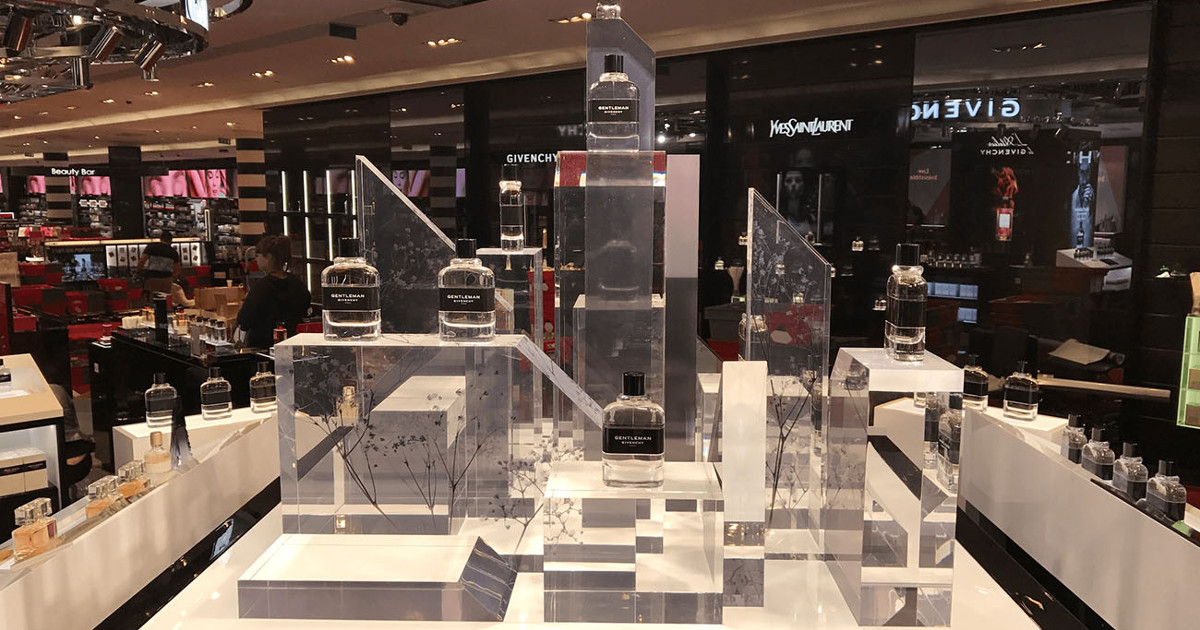 Givenchy, Corner PLV parfum et maquillage au Sephora - Mayence Fabricant PLV